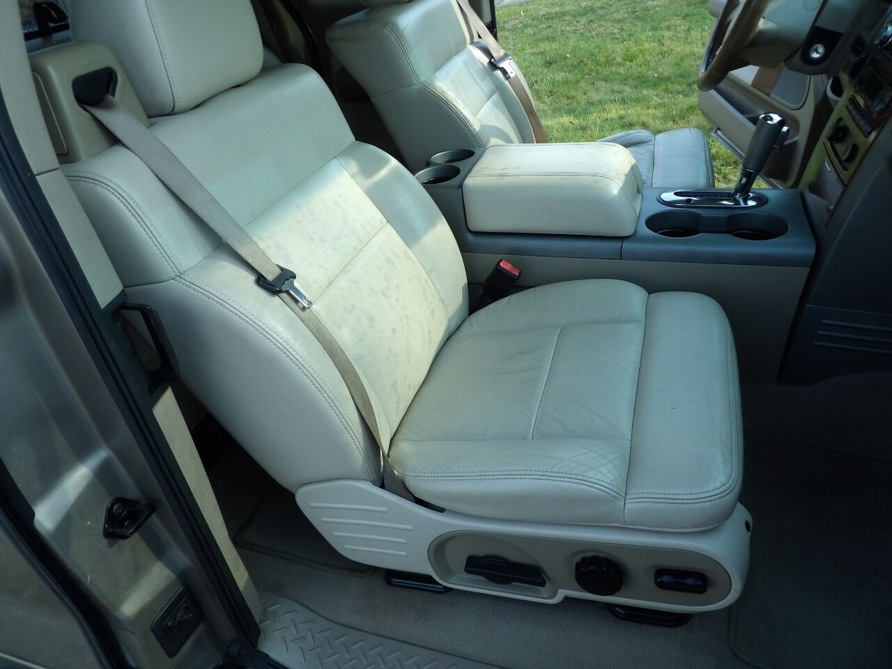 2004 Ford F-150 Short Bed