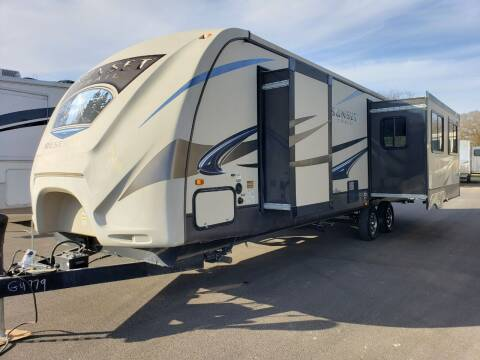 2014 Crossroads Sunset trail 32RL  for sale at Ultimate RV in White Settlement TX