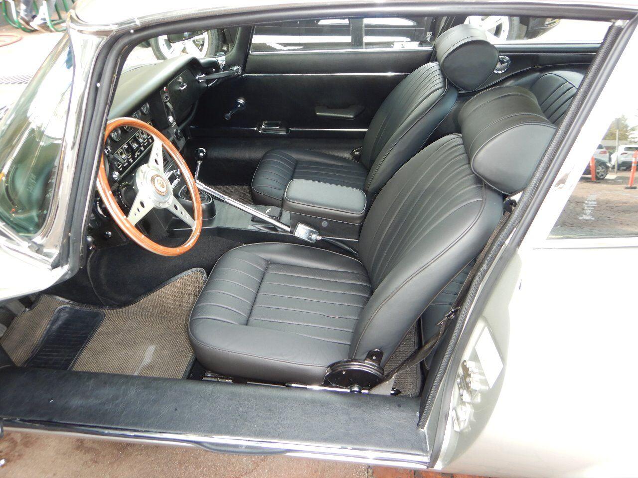1973 Jaguar XKE 47