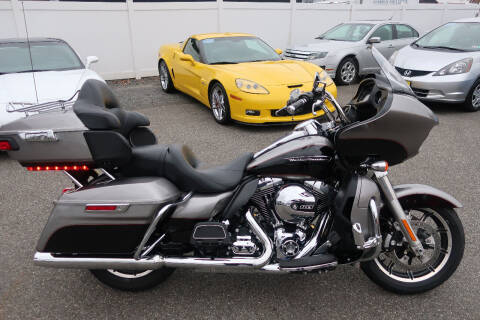 2016 HARLEY DAVIDSON RAOD GLIDE ULTRA for sale at GEG Automotive in Gilbertsville PA