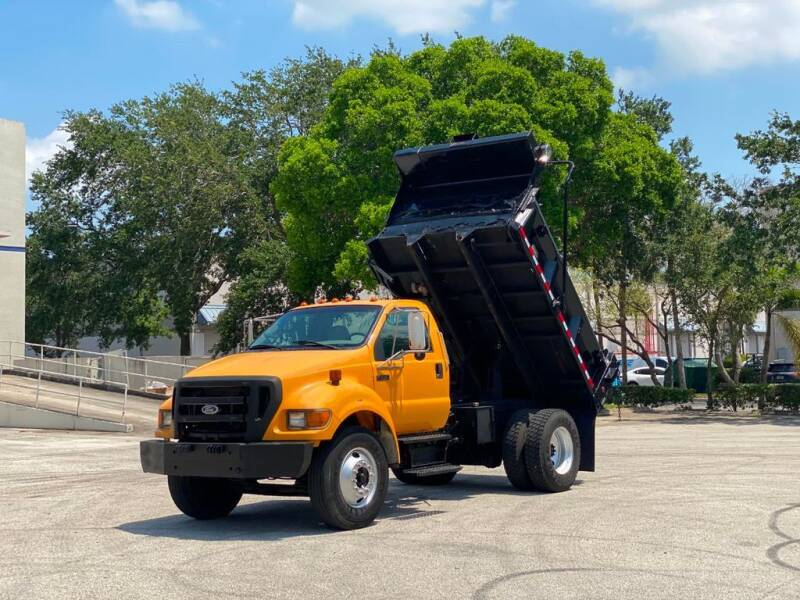 2004 Ford F-750 Super Duty for sale in West Palm Beach, FL