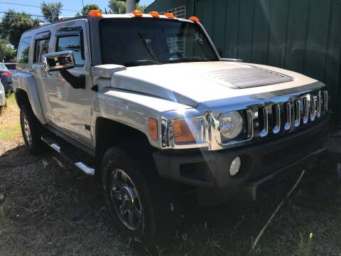 2006 HUMMER H3 for sale at GREENLIGHT AUTO SALES in Akron OH