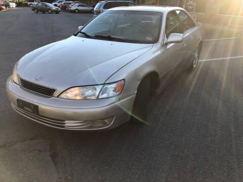 1999 Lexus ES 300 for sale at REGIONAL AUTO CENTER in Stafford VA