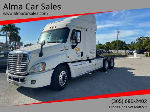 2009 Freightliner Cascadia for sale at Alma Car Sales in Miami FL