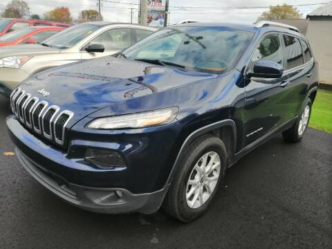 2015 Jeep Cherokee for sale at KRIS RADIO QUALITY KARS INC in Mansfield OH
