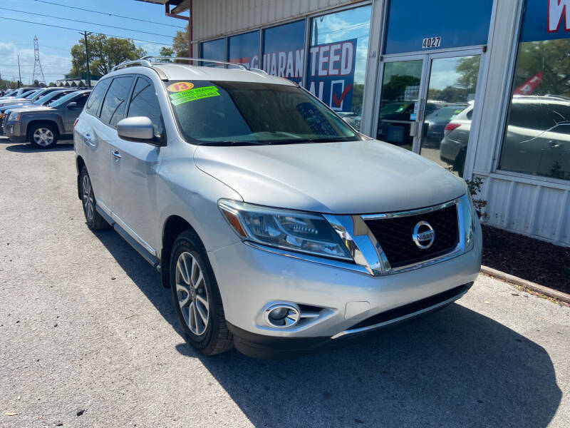 2013 Nissan Pathfinder for sale at Lee Auto Group Tampa in Tampa FL