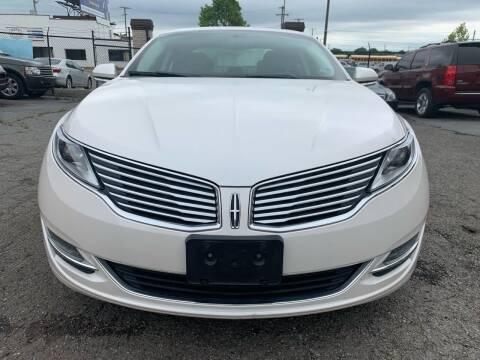 2013 Lincoln MKZ for sale at A & R Motors in Richmond VA