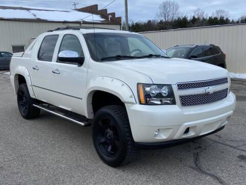 2011 Chevrolet Avalanche for sale at Miller Auto Sales in Saint Louis MI