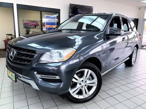 2014 Mercedes-Benz M-Class for sale at SAINT CHARLES MOTORCARS in Saint Charles IL