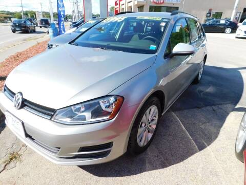 2017 Volkswagen Golf SportWagen for sale at Auto Wholesalers Of Hooksett in Hooksett NH