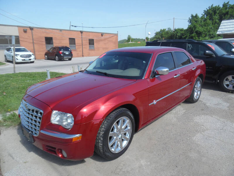 2008 Chrysler 300 for sale at VEST AUTO SALES in Kansas City MO