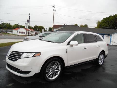2019 Lincoln MKT for sale at Leo Auto Sales in Leo IN