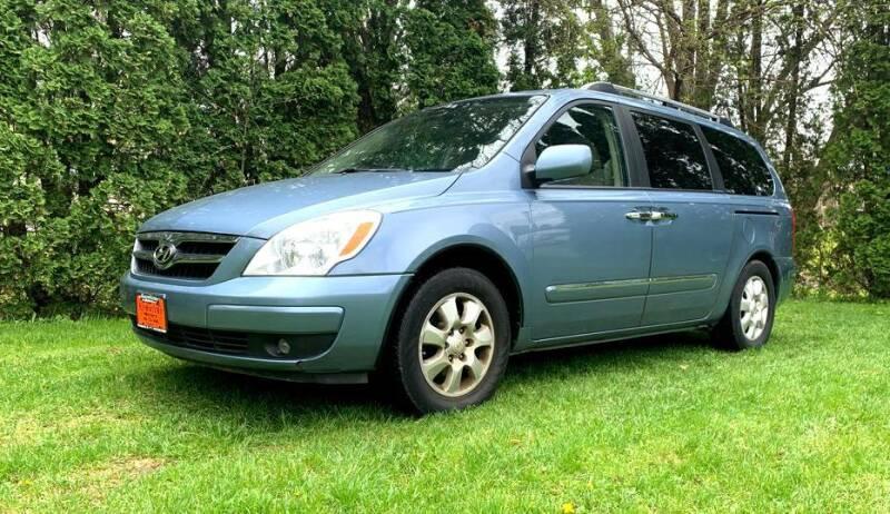 2007 Hyundai Entourage for sale at Knowlton Motors, Inc. in Freeport IL