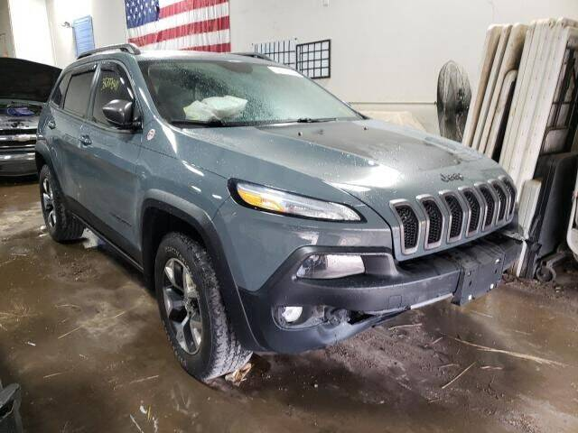 2015 Jeep Cherokee for sale at Varco Motors LLC - Builders in Denison KS