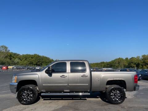 2009 Chevrolet Silverado 2500HD for sale at CARS PLUS CREDIT in Independence MO