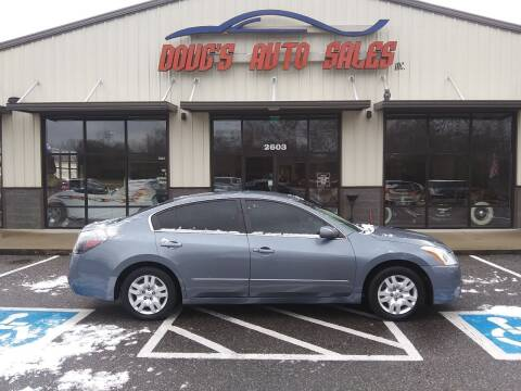 2011 Nissan Altima for sale at DOUG'S AUTO SALES INC in Pleasant View TN