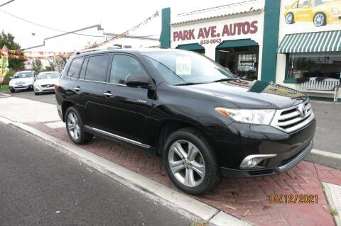 2013 Toyota Highlander for sale at PARK AVENUE AUTOS in Collingswood NJ