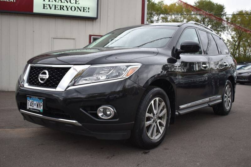 2014 Nissan Pathfinder for sale at DealswithWheels in Hastings MN