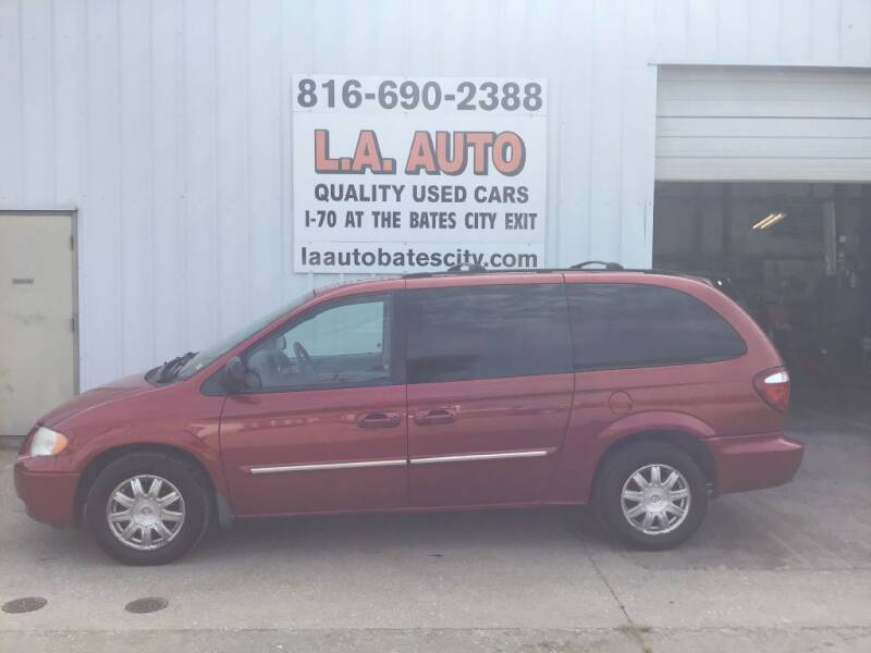 2006 Chrysler Town and Country for sale at LA AUTO in Bates City MO