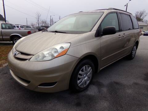 2008 Toyota Sienna for sale at Creech Auto Sales in Garner NC