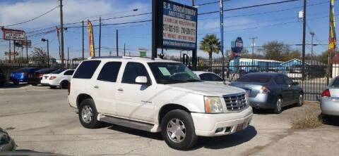 2005 Cadillac Escalade for sale at S.A. BROADWAY MOTORS INC in San Antonio TX