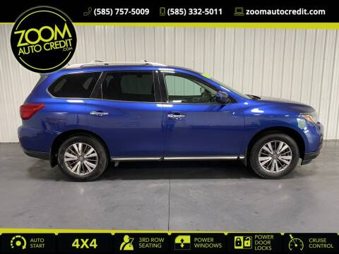 2017 Nissan Pathfinder for sale at ZoomAutoCredit.com in Elba NY