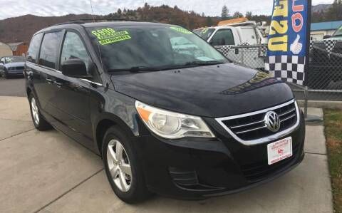 2009 Volkswagen Routan for sale at Siskiyou Auto Sales in Yreka CA