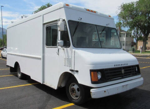 2002 Workhorse P42 for sale at Tri Cities Auto Remarketing in Kennewick WA