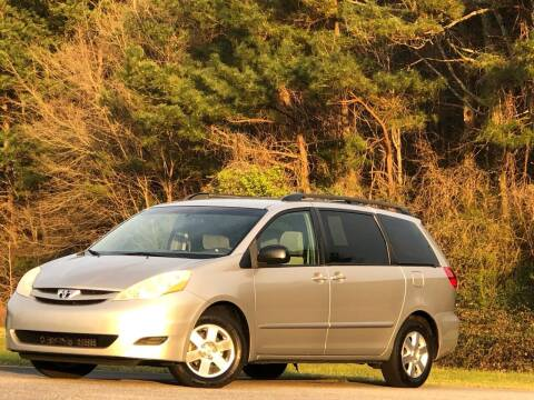 2010 Toyota Sienna for sale at Global Pre-Owned in Fayetteville GA