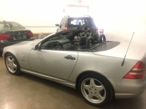 1999 Mercedes-Benz SLK for sale at CHAGRIN VALLEY AUTO BROKERS INC in Cleveland OH