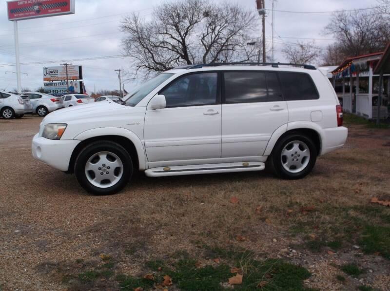 2004 Toyota Highlander for sale at Smith Auto Finance LLC in Grand Saline TX