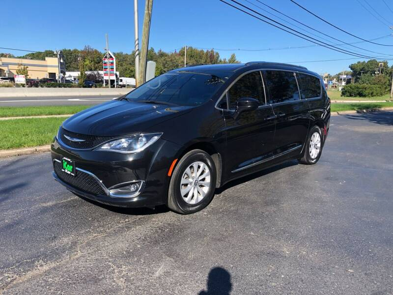 2019 Chrysler Pacifica for sale at iCar Auto Sales in Howell NJ