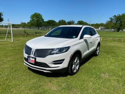 2015 Lincoln MKC for sale at LA PULGA DE AUTOS in Dallas TX
