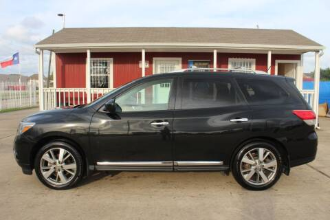 2016 Nissan Pathfinder for sale at AMT AUTO SALES LLC in Houston TX