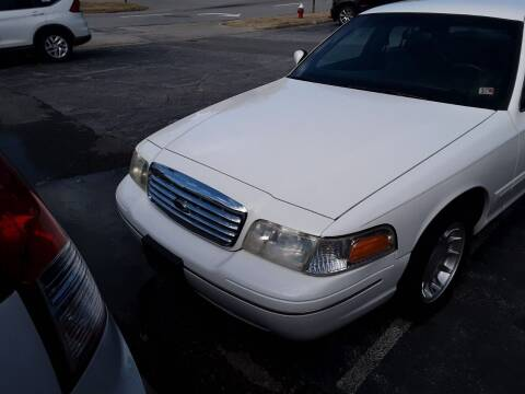 2000 Ford Crown Victoria for sale at Auto Villa in Danville VA