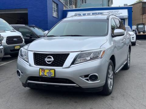 2013 Nissan Pathfinder for sale at AGM AUTO SALES in Malden MA