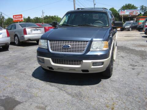 2005 Ford Expedition for sale at LAKE CITY AUTO SALES in Forest Park GA