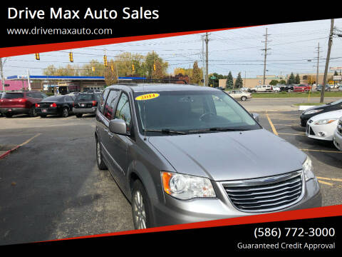 2014 Chrysler Town and Country for sale at Drive Max Auto Sales in Warren MI