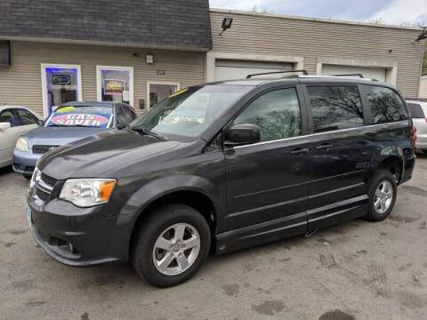 2011 Dodge Grand Caravan for sale at Global Auto Finance & Lease INC in Maywood IL