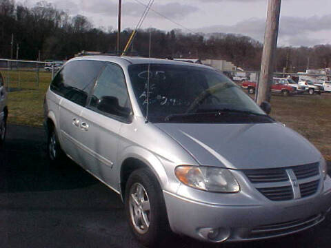 2005 Dodge Grand Caravan for sale at Bates Auto & Truck Center in Zanesville OH