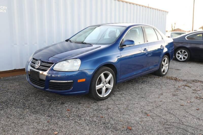2009 Volkswagen Jetta for sale at Queen City Classics in West Chester OH