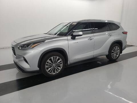 2020 Toyota Highlander Hybrid for sale at A.I. Monroe Auto Sales in Bountiful UT