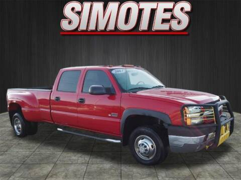2004 Chevrolet Silverado 3500 for sale at SIMOTES MOTORS in Minooka IL