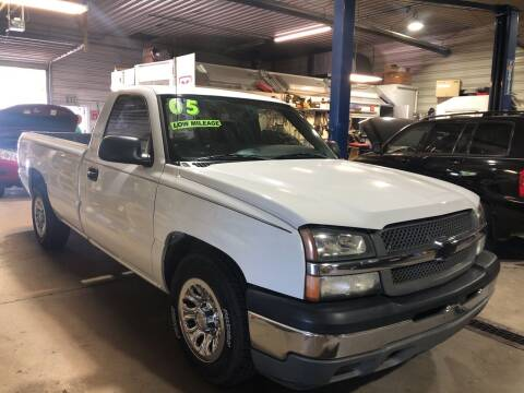 2005 Chevrolet Silverado 1500 for sale at BELL AUTO & TRUCK SALES in Fort Wayne IN