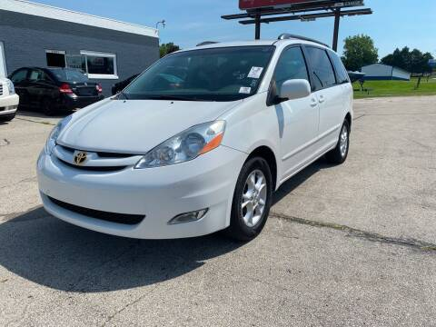 2006 Toyota Sienna for sale at Eagle Auto LLC in Green Bay WI