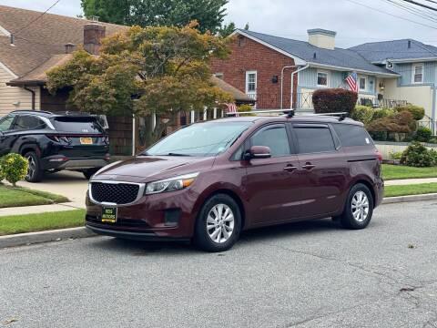 2015 Kia Sedona for sale at Reis Motors LLC in Lawrence NY