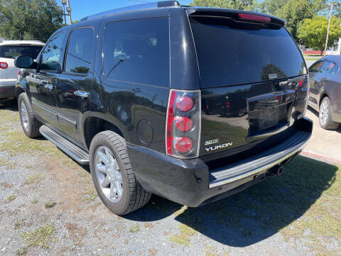 2010 GMC Yukon for sale at LAURINBURG AUTO SALES in Laurinburg NC