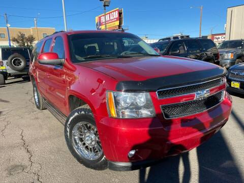 2014 Chevrolet Suburban for sale at New Wave Auto Brokers & Sales in Denver CO