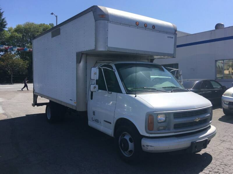 2000 Chevrolet G3500 for sale at StarMax Auto in Fremont CA