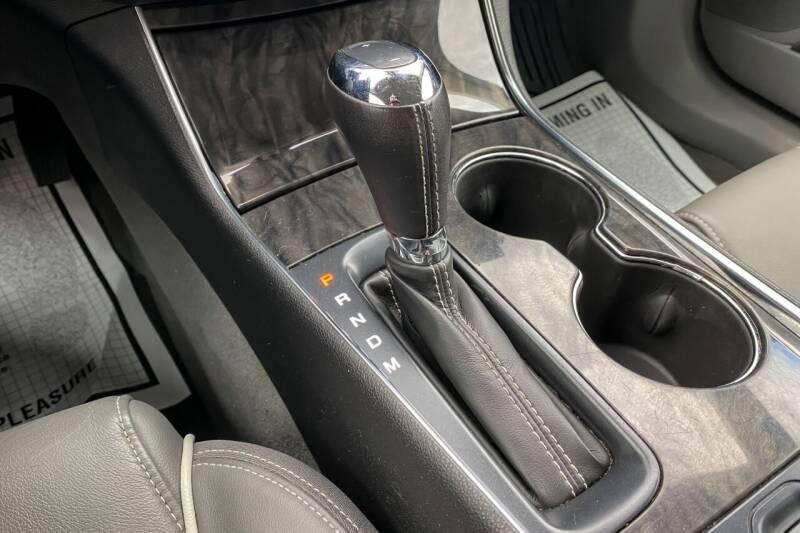 2015 Chevrolet Impala LTZ 4dr Sedan w/2LZ - East Greenbush NY